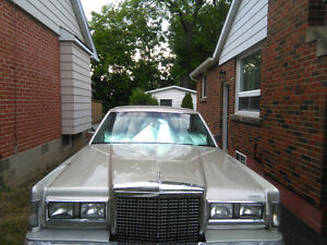 1986 Lincoln Town Car (Cartier)