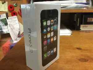 Sealed 16GB iPhone 5s Bell