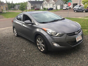 Completely loaded Hyundai Elantra!! Donit miss out!