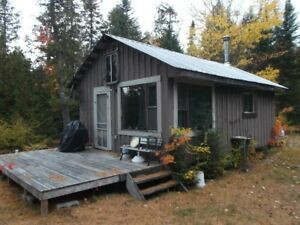 QUINTETS LAKE 4 - CAMP FOR SALE - NEW PRICE