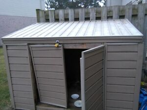 CUSTOM BUILT SHED - PAID 850 - FIRST $100 TAKES IT !!!