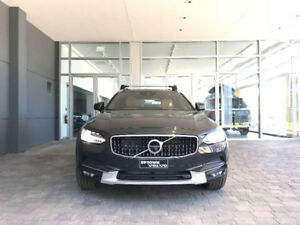 2018 Volvo V90 T6 Cross Country - Fully Loaded, Like New