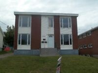 Spacious 3 Bedroom Appartment Near Moncton City Hospital and UdM