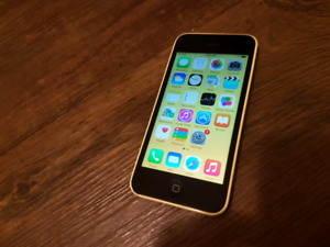 Cellulaire iPhone 5c 32gb BELL ou Virgin excellente condition