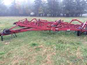 30 and 35 foot Case IH 4700 Vibra-Tillers