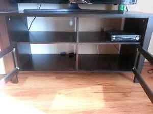 Almost new~~ TV table