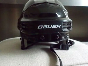 Hockey Helmet - Bauer Senior/Adult - Like New