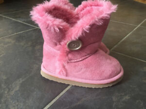 Girls size 6 pebble Fall boots