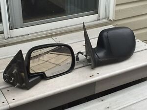 Yukon 2001-2006 side mirrors 50$