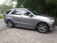 Ride In Luxury Mercedes Benz ML350 For Your Chauffeuring Needs