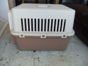 large pet cargo kennel by precision pet co model 300