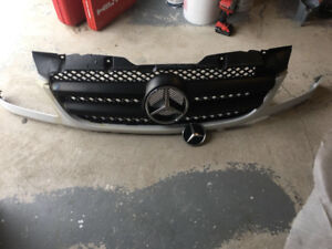 Benz sprinter 3500 grill for sale ,new condition