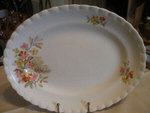 OLD VINTAGE J&G MEAKIN 11-in.CHINA SERVING PLATTER