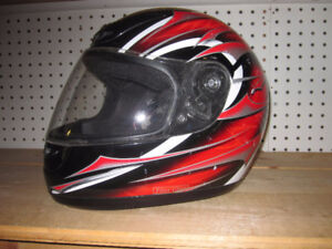 """Xpeed Motorcycle Helmet with Face Shield Size """"M"""" and DOT"""