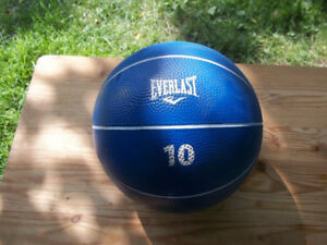 Everlast 10 Lb (4.5 kg) Medicine Ball, Great For Speed, Agility,