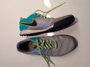 Souliers turf (Utlimate ou Soccer)