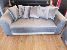 Brand new velvet 3+2 suite