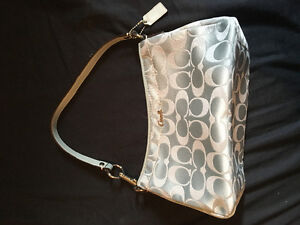 Mini Coach purse for sale !!!!