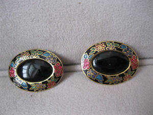 Large Black Cloisonne Earrings Pierced ears Boucles d'oreilles