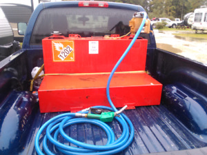 """""""L"""" shaped slip tank with hose and pump"""