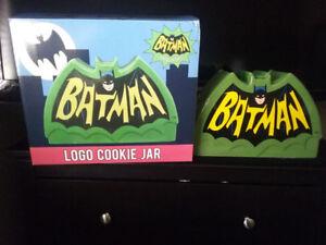 Batman 1966 TV Series Logo ceramic Cookie Jar $40.00 new