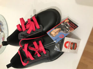 Brand new Asham curling shoes 6.5