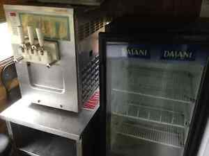 Food Trailer, superb condition. Has all appliances + soft serve London Ontario image 6