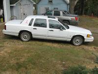 1992 Lincoln Town Car Sedan