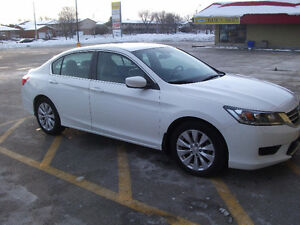 Mint Condition A+++ 2014 Honda Accord (lady driven)