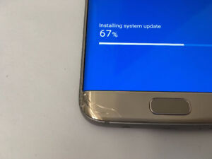 Unlocked Gold Galaxy S7 Edge for quick sale.