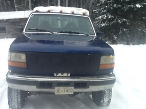 Low Kms on 1997 F-350 7.3 liter diesel with brand new tranny Prince George British Columbia image 3