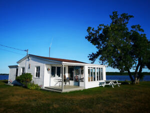 Waterfront Cottage - Renting for Juin 2019