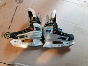 Various kids hockey skates