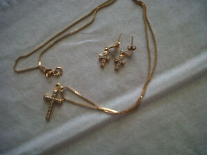 Cross Necklace with Matching Earings