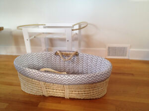 """""""KidiComfort""""  Moses bassinet with Stand"""