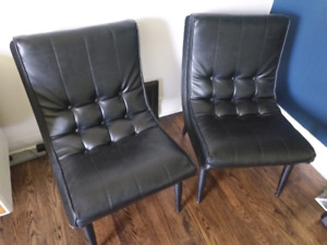 Set of chairs leather and wood base