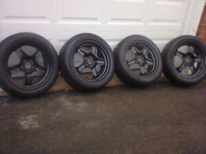 225/50r17 snow tires on GM factory rims.