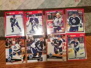 16 Toronto hockey cards in mint condition
