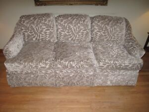SOLD - Luxurious Cdn Barrymore Fraser couch divan 3 years old