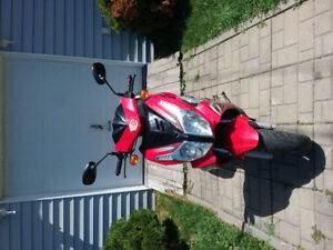 Scooter chironex  2008 4 temps 1000$ ferme