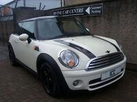 2009 MINI COOPER 1.6D DIESEL 3DR WHITE WITH BLACK ROOF £20 ROADTAX BONNET STRIPE