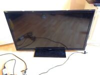 £30 42 inch smart laurus television with cracked screen