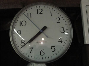 Edwards Glass face electric clock $30.00 made in Ontario