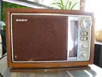 Vintage Sony AM/FM Table Top Radio ICF-9740W Wooden Cabinet WORK