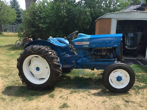 Ford 730 or 772 Tractor Loader