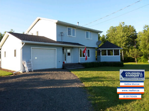 Home in Malagash with 5 acres!