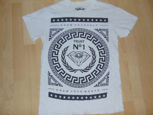 Crooks and castles T-shirt!!!!! GREAT CONDITION!!!!