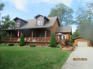 UNIQUE LOG HOME IN BAYFIELD NEAR NATURE TRAILS