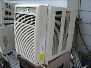 DANBY 10,000 BTU VERTICAL ELECTRONIC AIR CONDITIONER