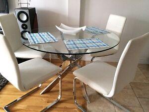 Set de table à manger de chez structube